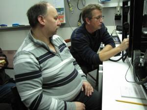Valle/SM6VYP och Dan/SM6TZL kör radio.